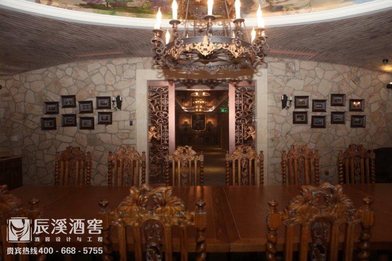 会所酒窖设计与工程案例-品酒区传统风格